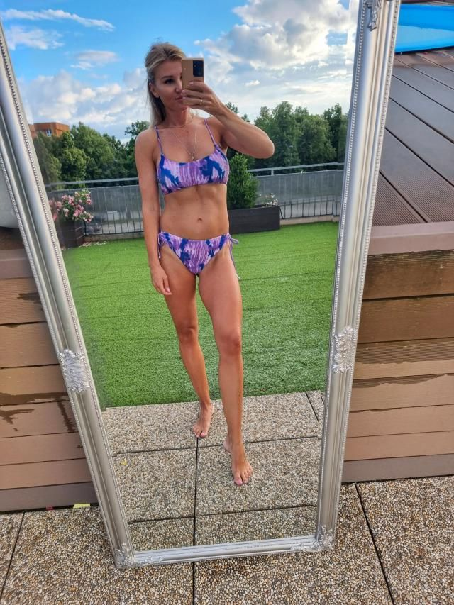 Super cute !Looks exaclty like the pictures   Love this bikini. Can't wait to wear!