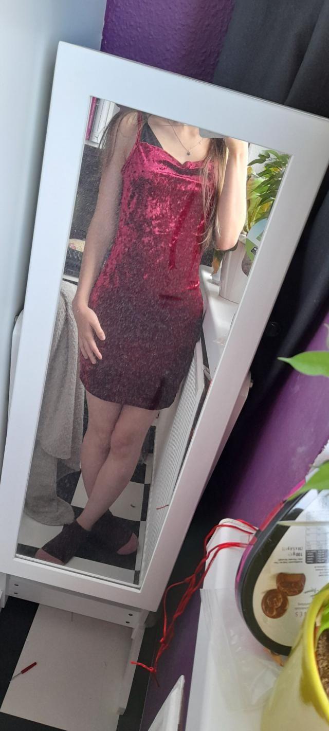 """Ich bin verliebt!Ich habe nur Kommentare wie """"Wow"""" zu diesem Kleid bekommen! Es fühlt sich wunderbar…"""