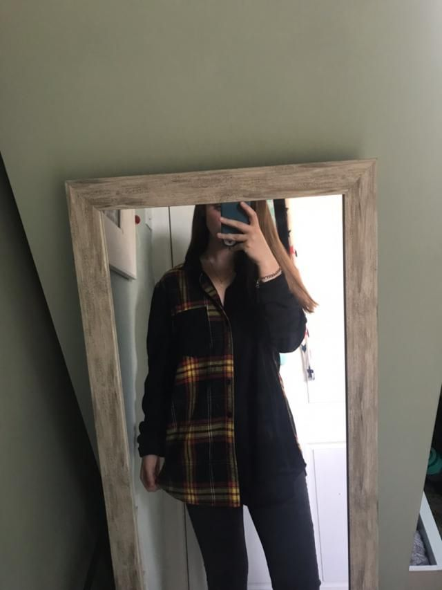 Lovely jacket, comfortable to wear with/without a top underneath, the sleeves are a bit tough to roll as i went for th…