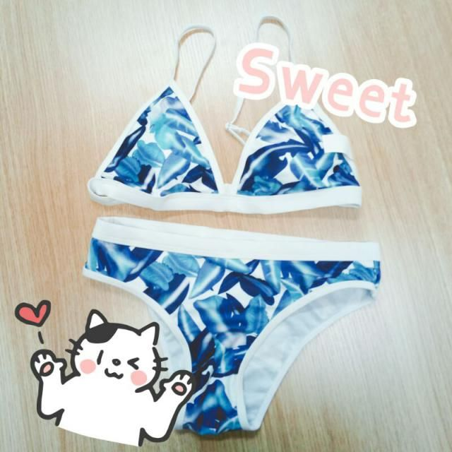 This bikini reminds me my summer time. The beautiful sea we have seen, and the warm summer beach we lay on. Just a grea…