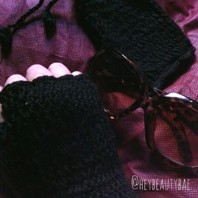 Who doesn&;t love oversized shades and woolen knits?