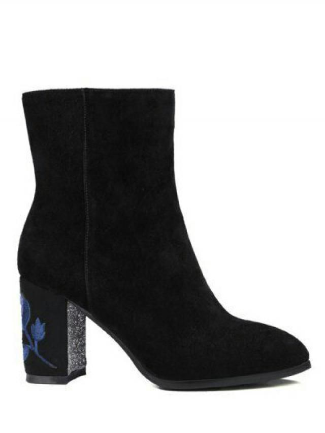 Boots are a must have this winter. If you are looking for something chic-er this babes over here are waiting for you. T…
