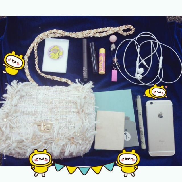 lipsticks and earphones are necesseray for me. Also I need cute mini mirror in my sweet zaful bag!  I always carry a s…