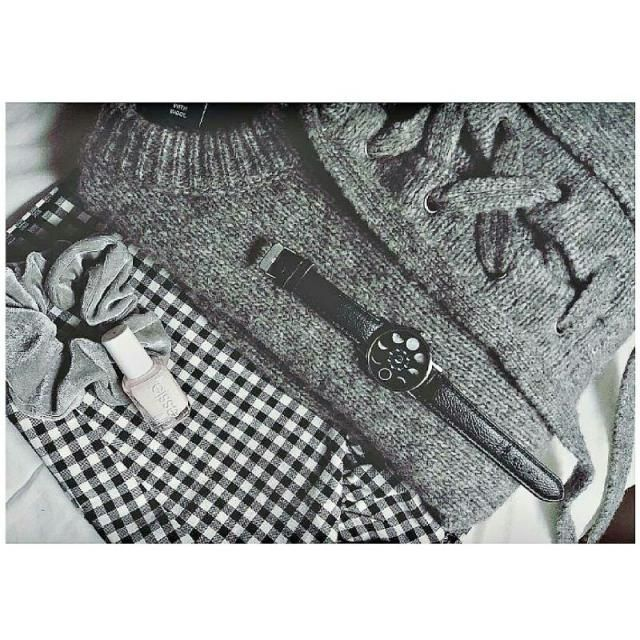 grey lover ♡ go to my IG @vicky_mcfly  for credits