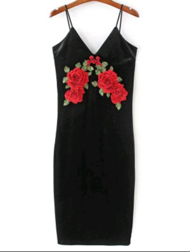 For Valentine's Day I consider this romper romantic and sexy tercipelo super romatico dress