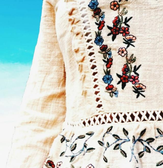 make sure you steal my look !! this awesome embroidered boho top makes my day
