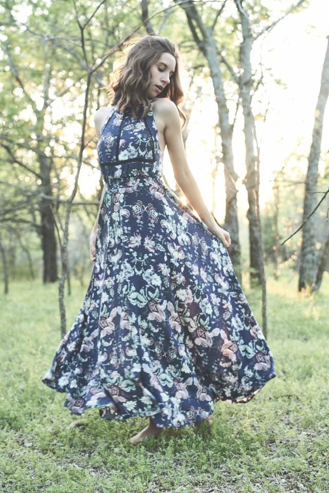 Such a beautiful spring dress!