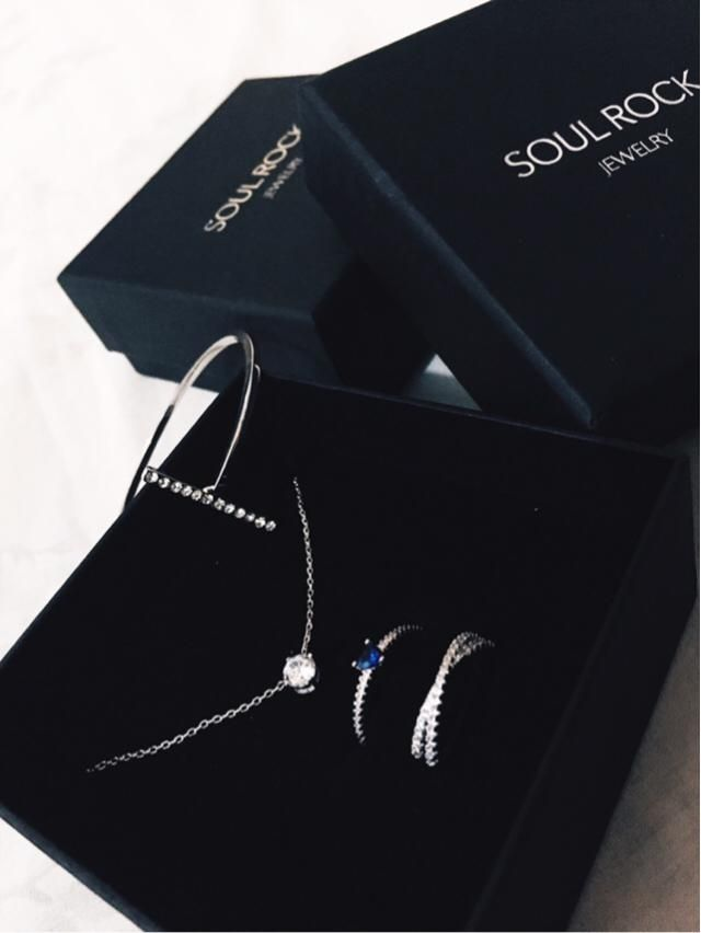 I super love this set of jewelries!