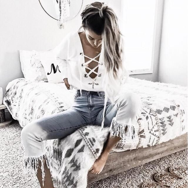 (From pinterest) I love this her top so much! And her bedroom too!