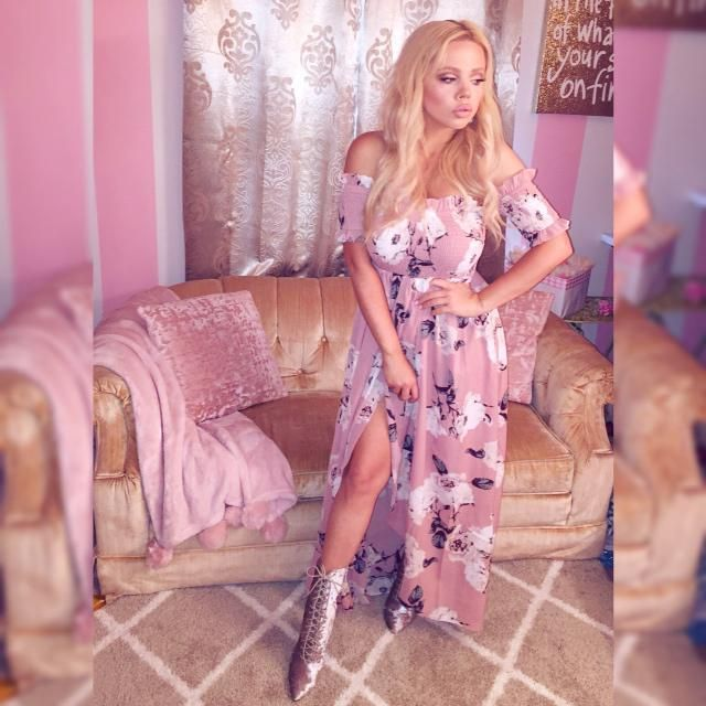 Feeling very glamorous in these gorgeous Zaful dresses!