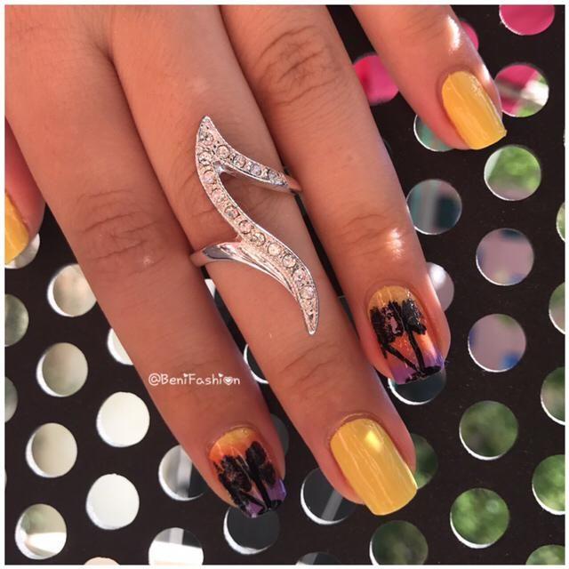Palm sunshine Nails