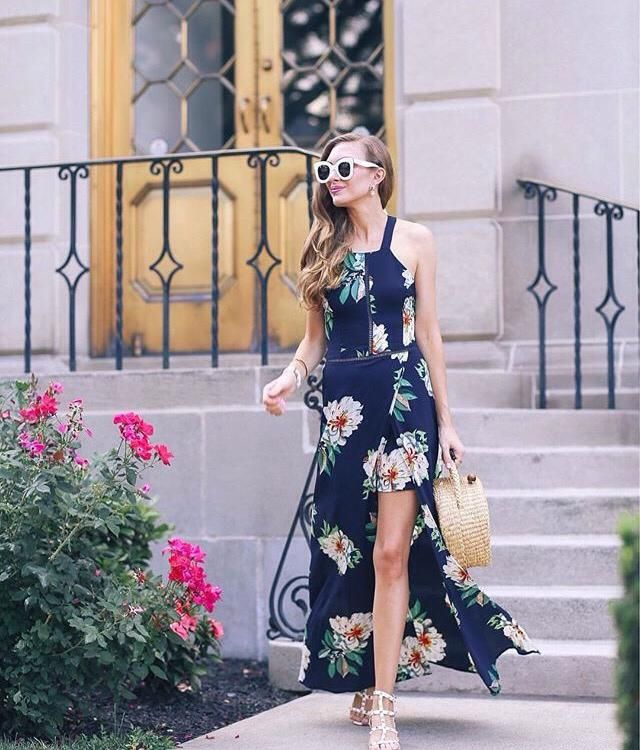 Are you inlove with this dress? Leave like or comment if you agree