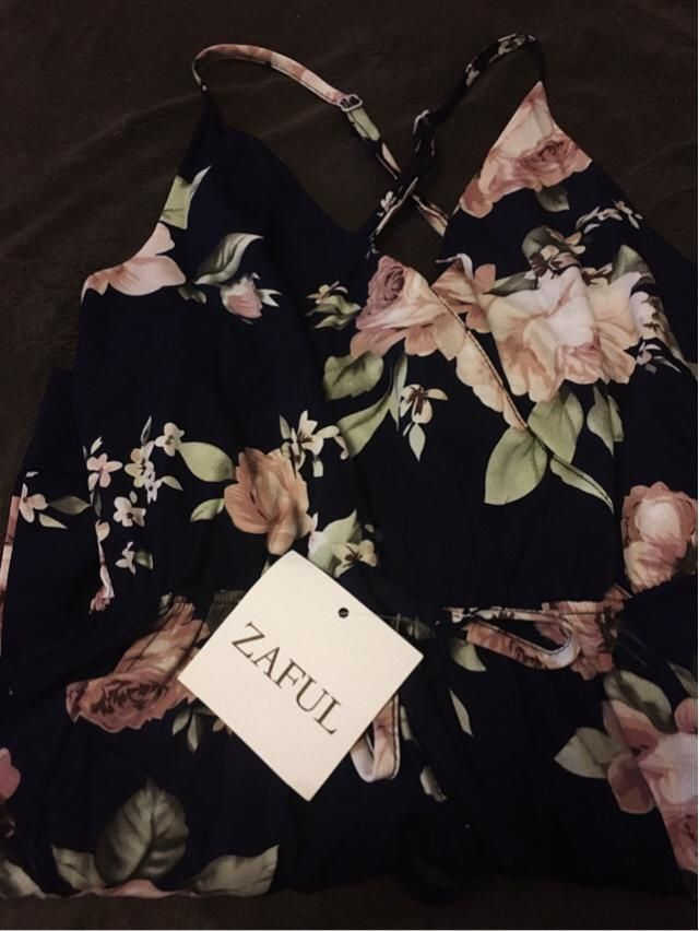 I loved having bought it on Zaful store, the products arrived very fast, much faster than on other websites, they are q…