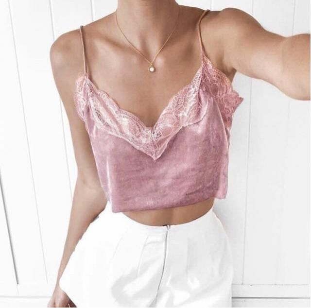 Beautiful pink top!!! Super comfortable and perfect for any shape of body ❤️