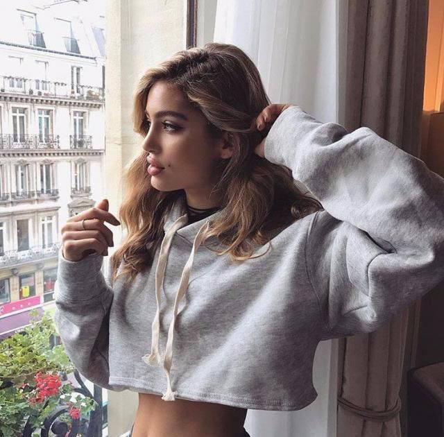 For a lazy day this crop top sweater it's the best option!❤️❤️
