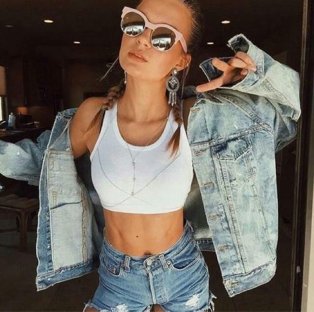 jaqueta jeans, desgastada, estilo velhonam mas chiq