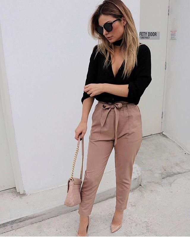 This pants are perfect for a date!