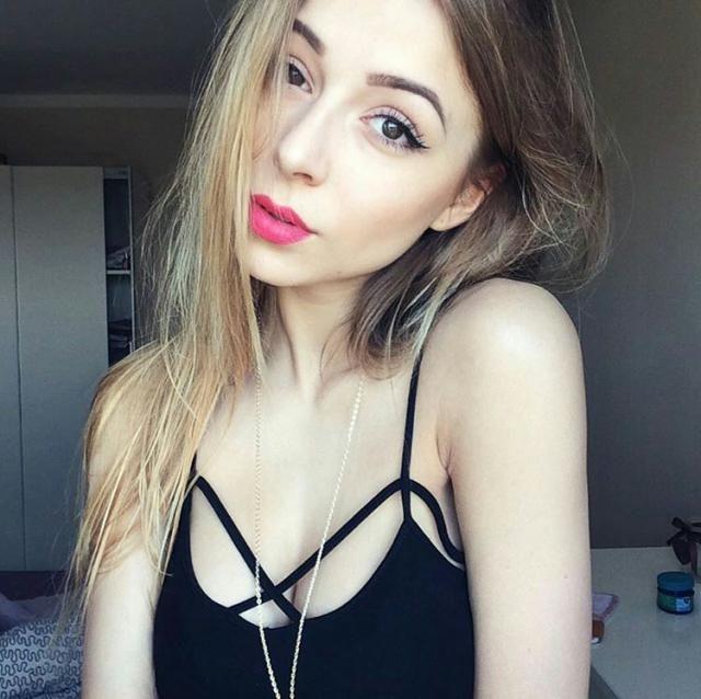 linda blusinha preta