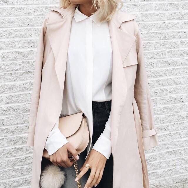 This is the perfect pink coat for this fall! ❤️