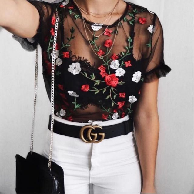 floral embroidered mesh top mix with high waist white jeans and you fancy look is ready!