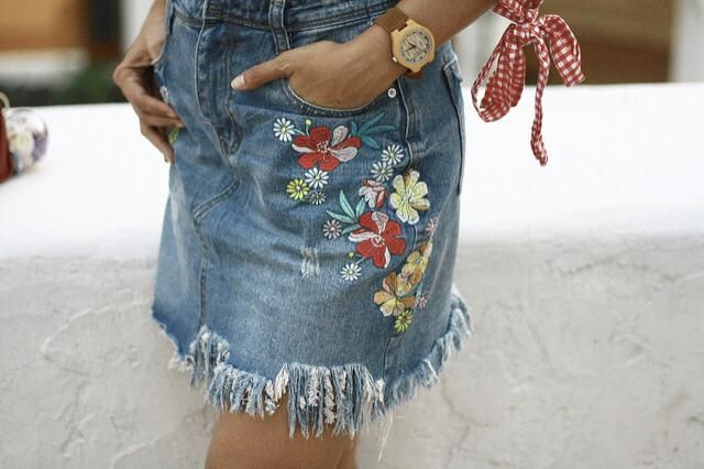 Denim Skirt with embroidered floralz