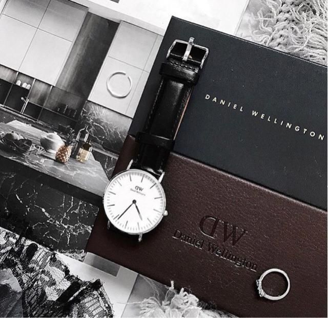 time is just an illusion, you can fall in love in a few hours but I fell in love with this watch in less than a second …