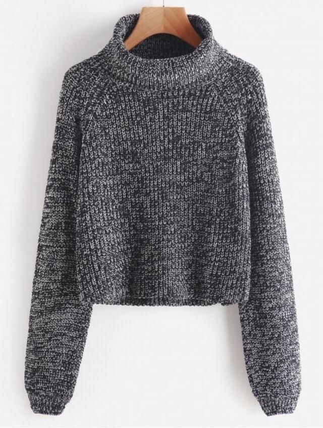 I fall in love with this sweater when I first saw it.