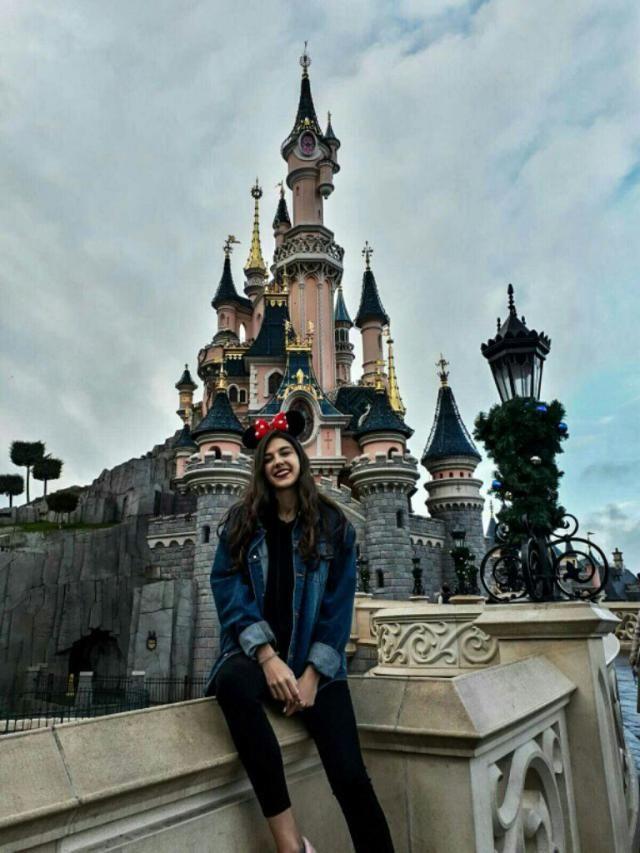 Disney is dreamland!   •follow me on instagram: nibblerxx
