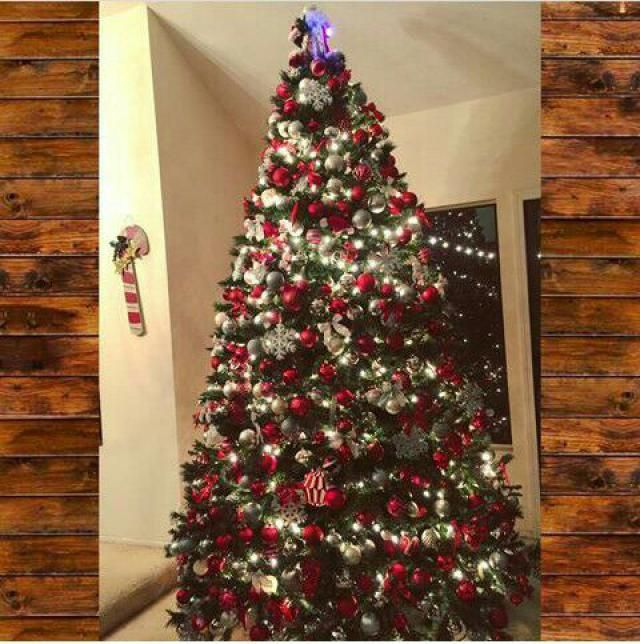 christmas tree in my parents house, love you mum