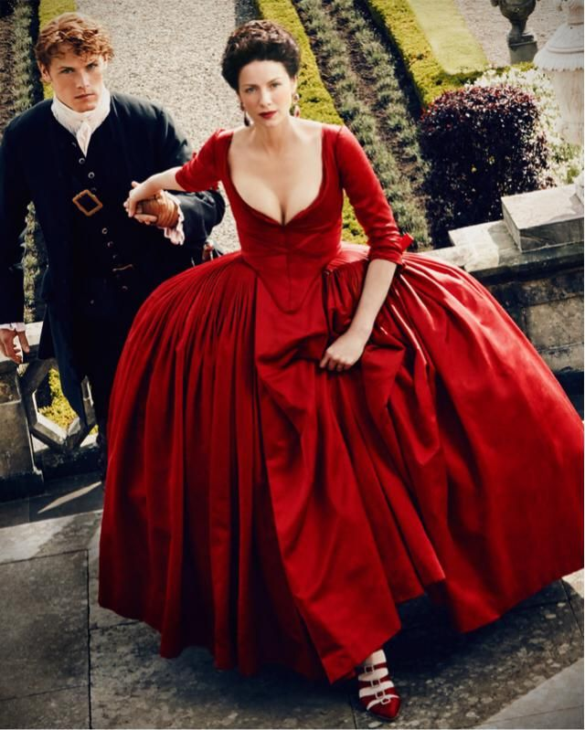 Beautiful long puffy red silk dress from the 1760's