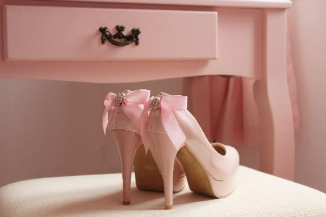 I love this shoes  How beautiful they are! Yes Some would say its to much... but for me they are perfect!              …