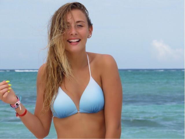bikini col halter, in Cubaaa xx