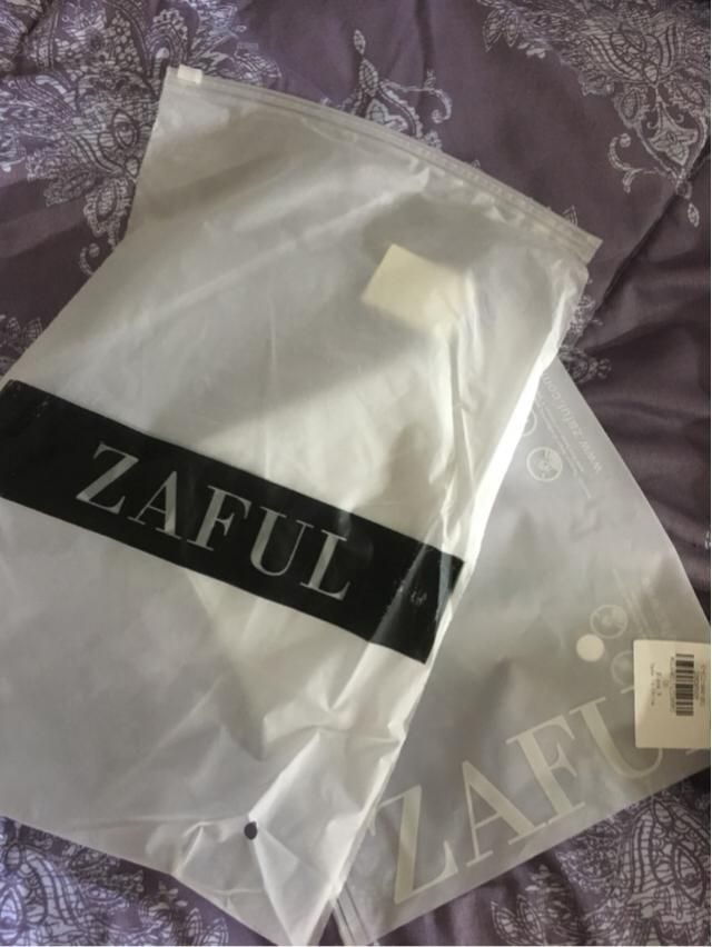 Its amazing how affordable and high the quality is! The fabric is really soft and I'm surprised at how fast the deliver…