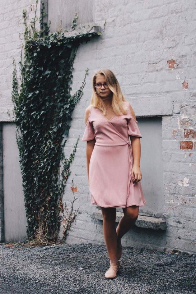 Light summer look. Dusty like pink dress and shoes.