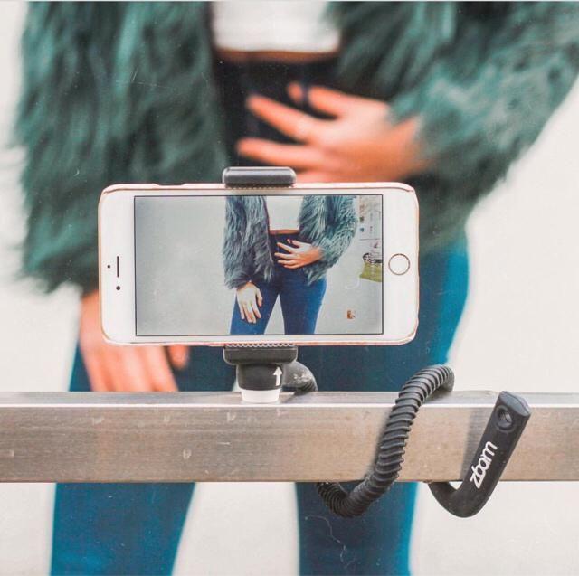 love this selfie stick