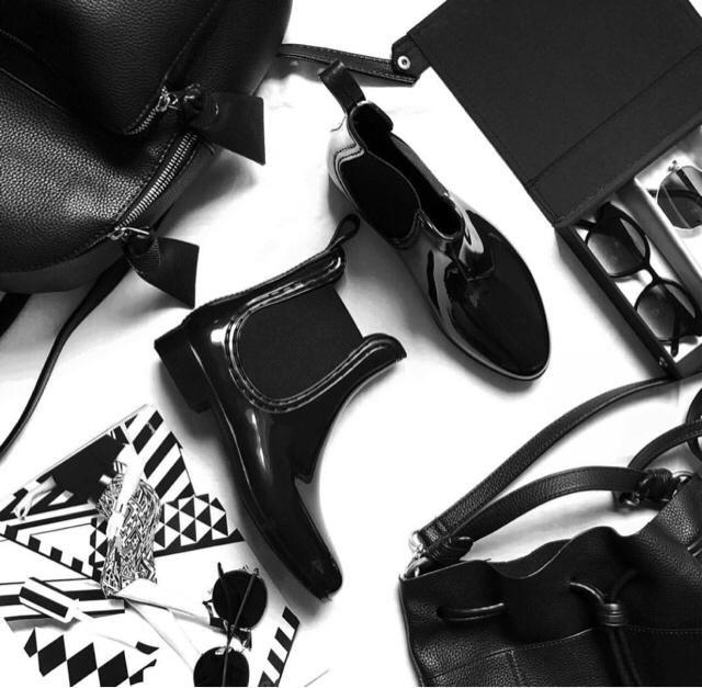 do you love my new rain boots? ☔️