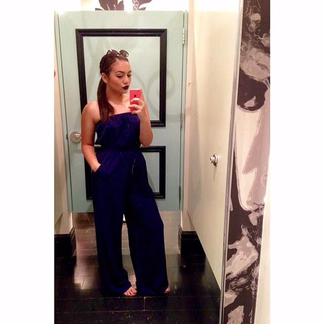navy blue strapless jumpsuit perfect for summer ☀️