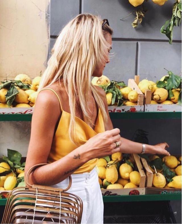 I love lemon even the colour of lemon match my outfit