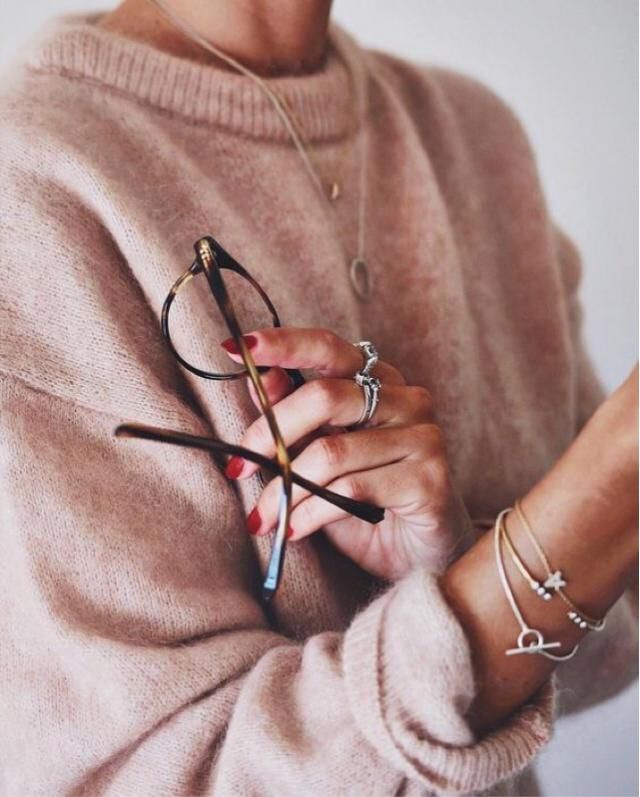Pink sweater is a best sweater to wear on daylight, the colour is soft and warm