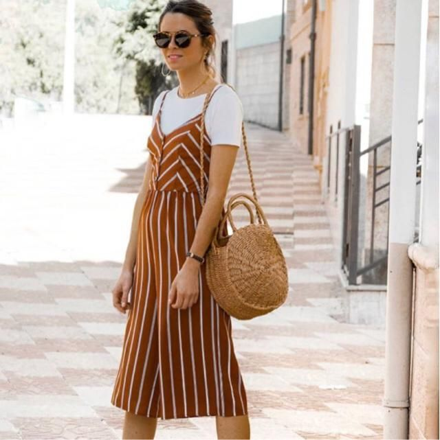 This summer a jumpsuit Is also a good outfit to wear