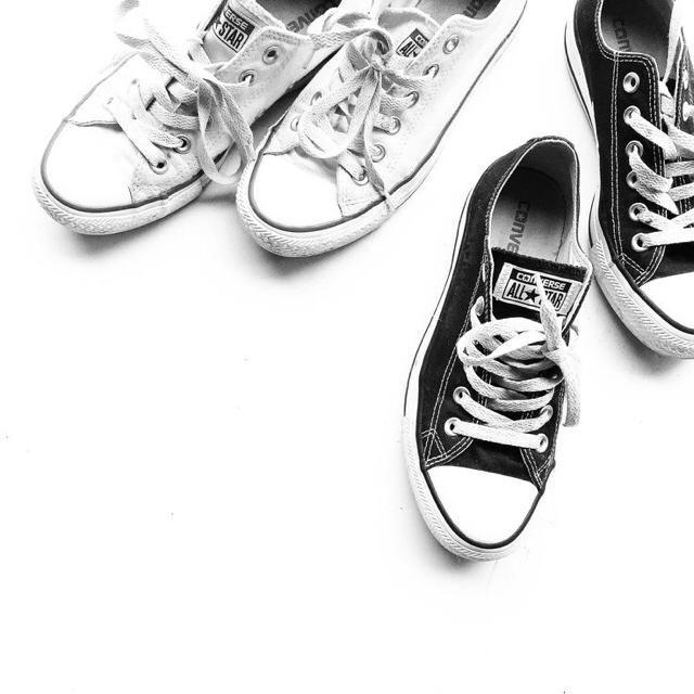 do u prefer black or white shoes?