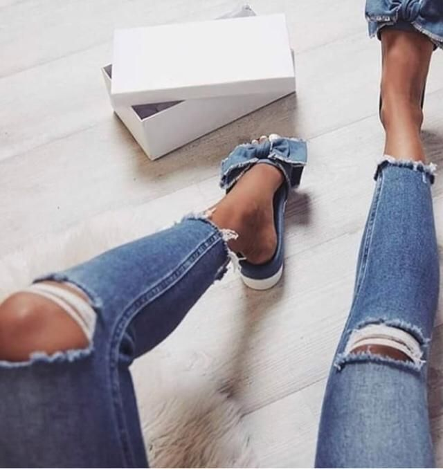 ripped jeans all day