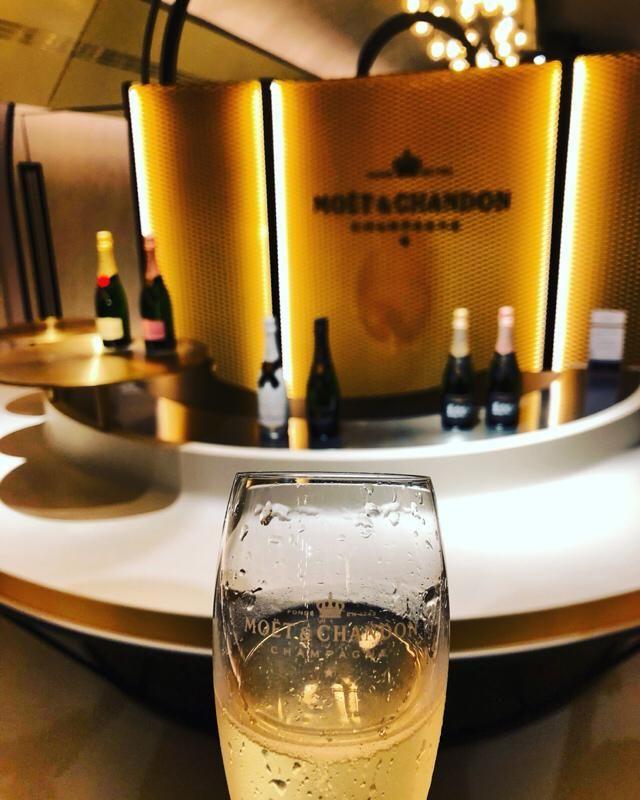Champagne, one LOVE❤️