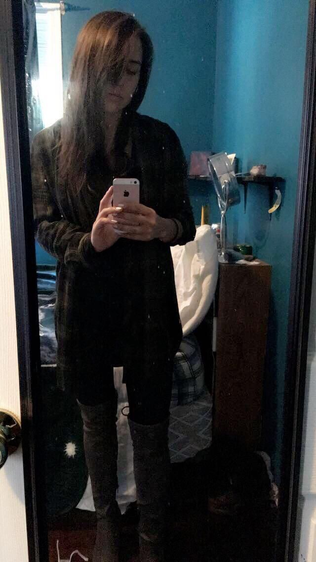 """Comfy shirt I bought on here a while ago! Size small. I'm 5'2"""" and 115 lbs if that helps"""