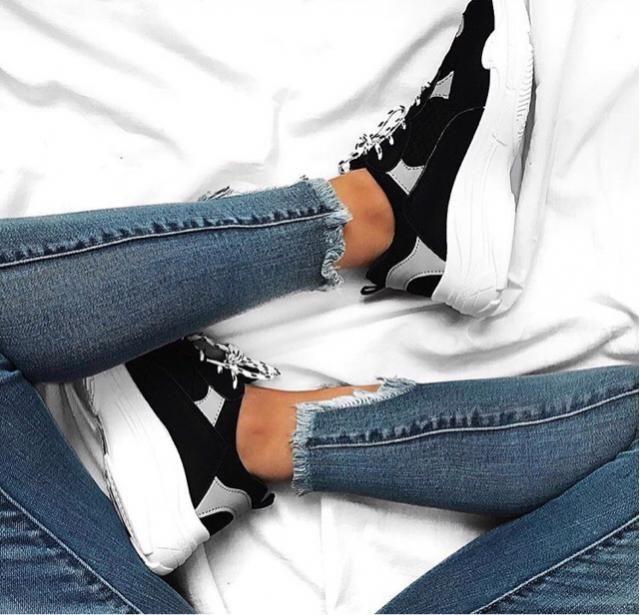 I'm literally loamy new kicks x