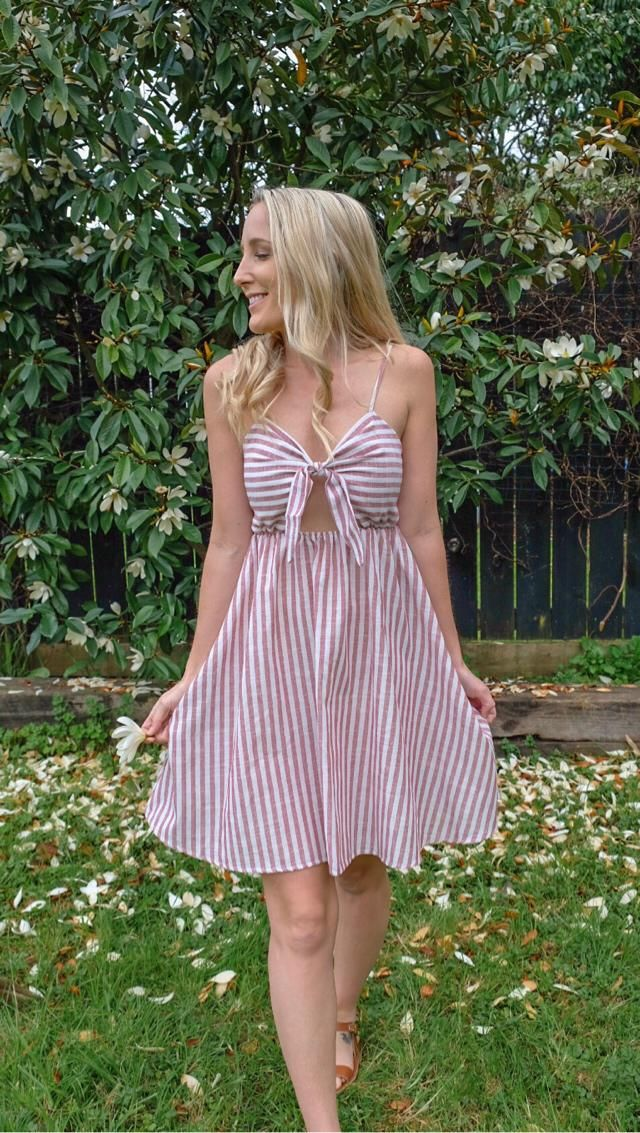 In love with this beautiful ZAFUL summer dress, perfect for travel, I always travel with a few dresses like this in my…