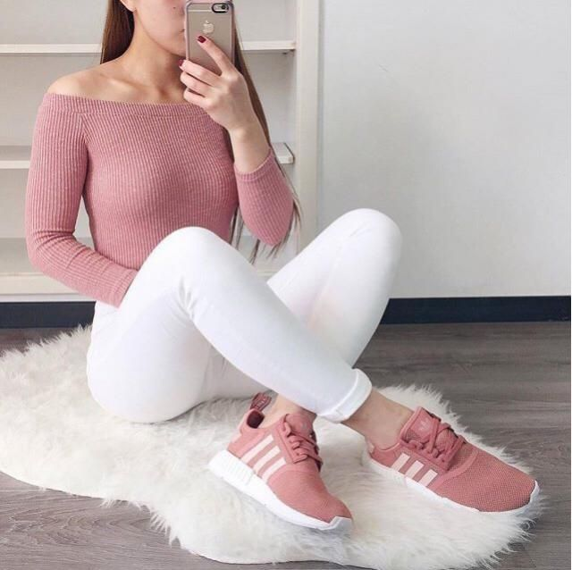 Love me some pink and white