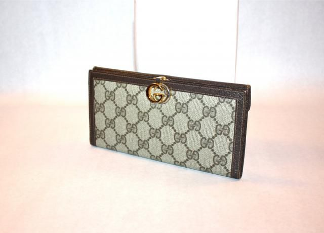 6ca2aaeeb1c4 GUCCI Vintage Wallet Brown Leather Monogram Clutch Coin Purse - AUTHENTIC -