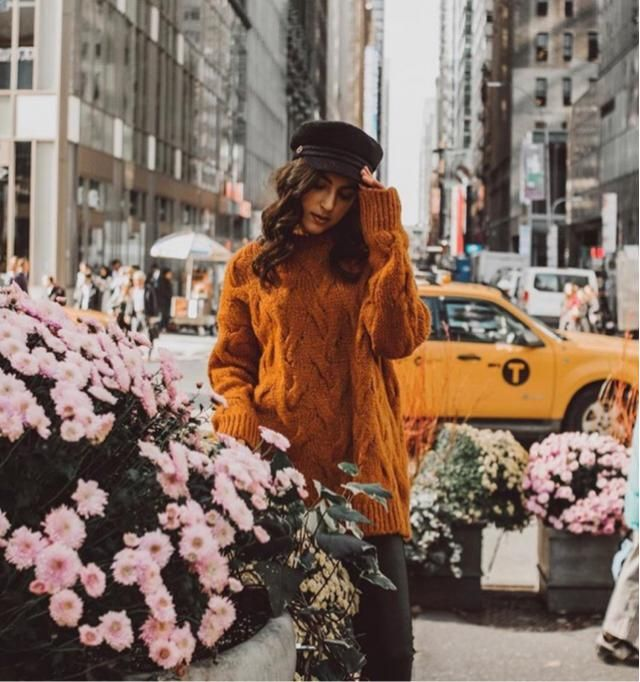 New York is the best and busy city, keep stylish around this area