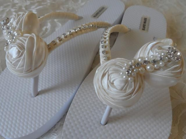 33233d4cdd9996 Ivory Rolled Flowers Flip Flops   Bridal Flip Flops   Beach Wedding Shoes    Bridesmaids Gift